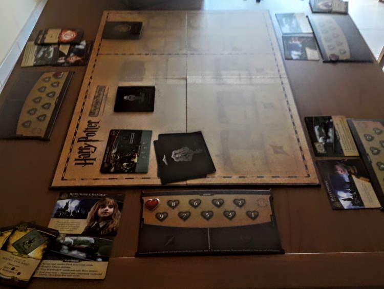 Prima parte del setup del gioco da tavolo Hogwart's Battle
